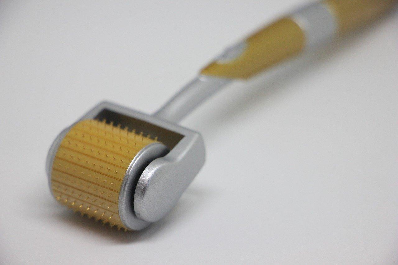 dermaroller for microneedling skin rejuvenation therapy